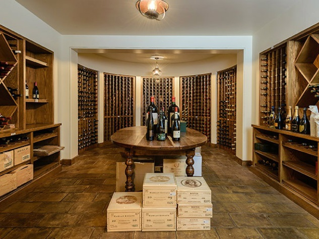 10000-Hollow-Way-wine-room_110804