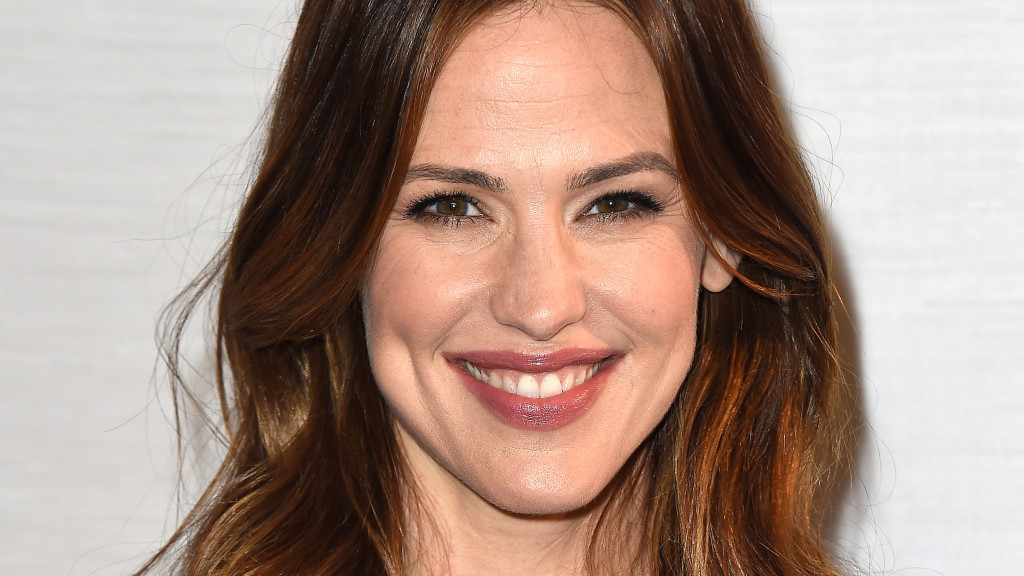 "WEST HOLLYWOOD, CA - MARCH 04: Actress Jennifer Garner attends Sony Pictures Releasing's ""Miracles From Heaven"" Photo Call at The London Hotel on March 4, 2016 in West Hollywood, California. (Photo by Frazer Harrison/Getty Images)"