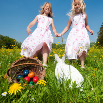 easter-girls-with-bunny